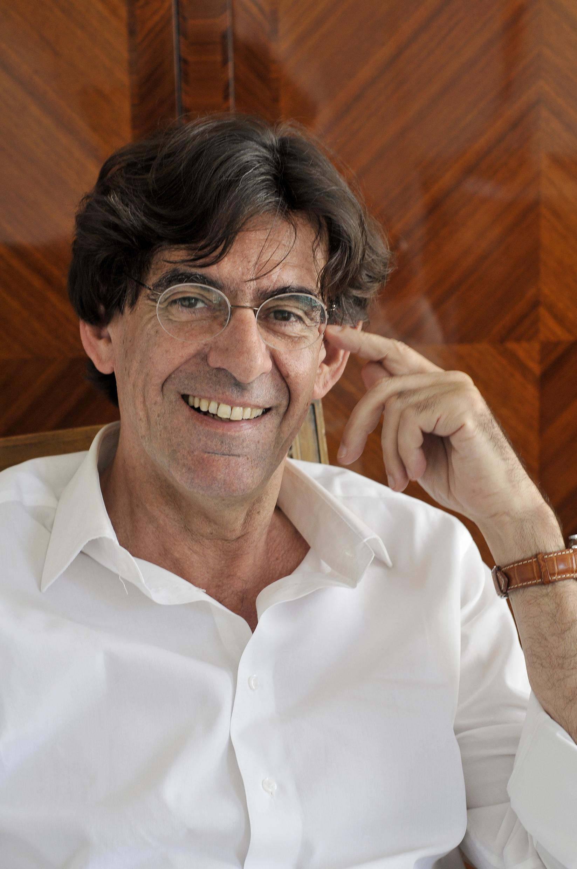 Luc Ferry, invité d'honneur du Salon du Livre de